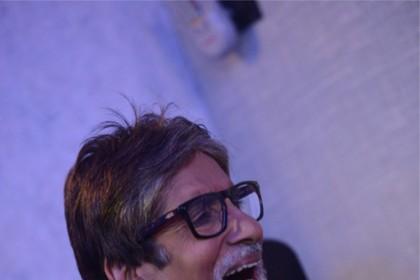 अमिताभ बच्चन ने दी थी ट्विटर छोड़ने की धमकी अब ये ट्वीट कर उड़ाया मजाक