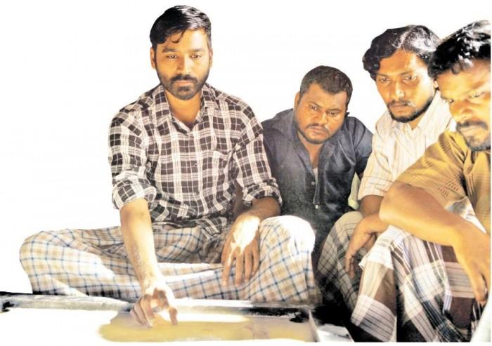 Vada Chennai Still: Dhanush's desi swag is hard to miss