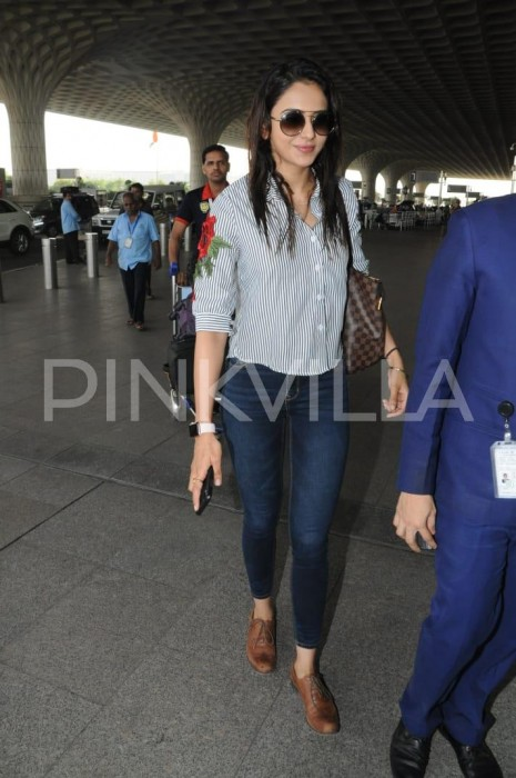 Airport Spotting: Rakul Preet makes a splash at the Mumbai airport