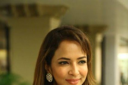 Lakshmi Manchu to reprise Neha Dhupia's role in the Tamil remake of Tumhari Sulu