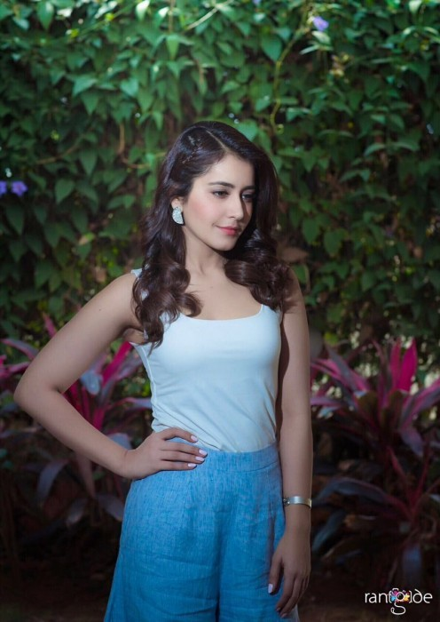 Raashi Khanna opens up about the success of Tholi Prema and her career goals