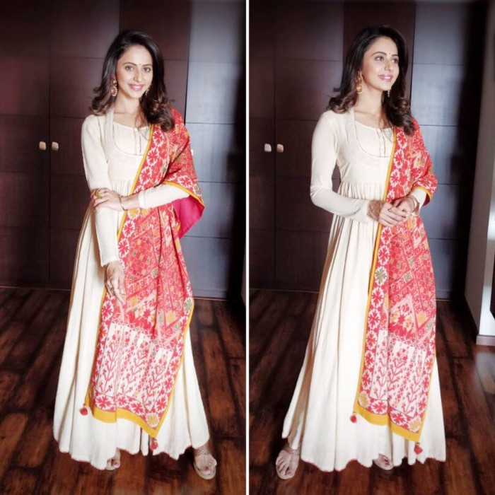 Rakul Preet is elegance personified in these recent photos
