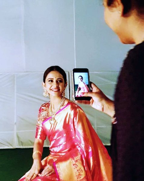 This photo of Rakul in ethnic wear is priceless