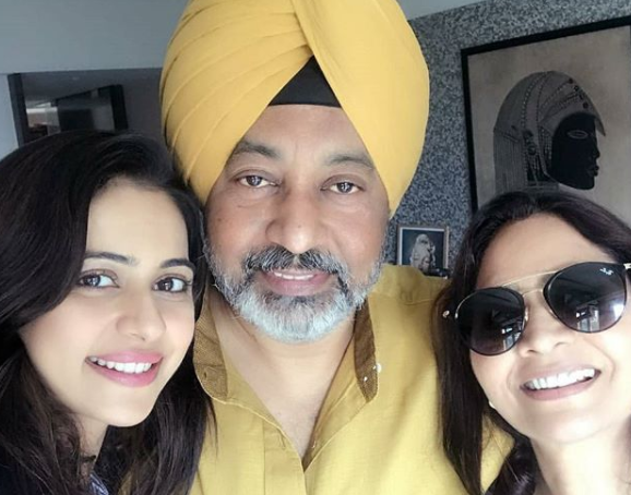 Rakul Preet's family selfie is priceless