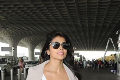 Photos: A charming Shriya Saran at the airport