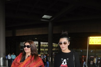 Photos: Shruti Haasan and mother Sarika get set to return to Chennai