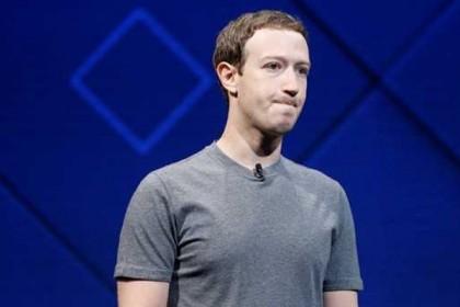 मार्क जुकरबर्ग बेच रहे है फेसबुक के शेयर्स, संकट से गिरे