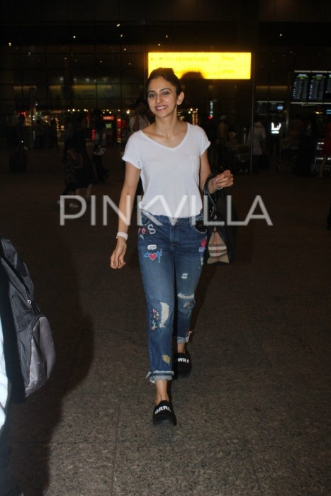 Rakul Preet was all smiles for the paparazzi at the airport