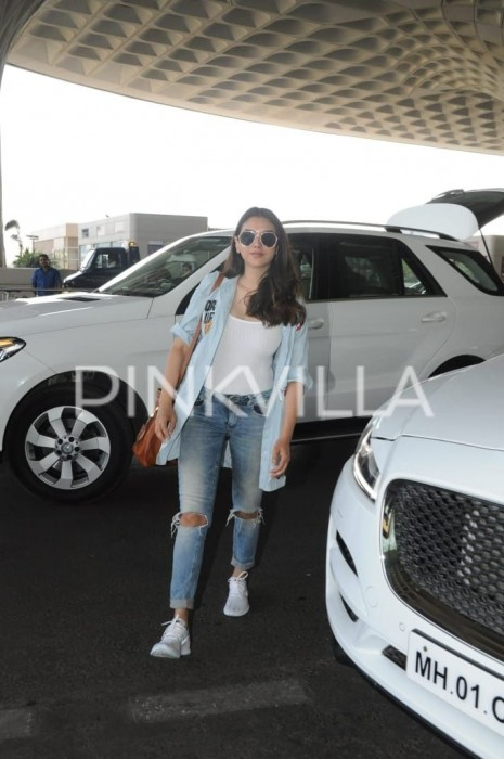 Aditi Rao Hydari's effortless airport style is impressive!
