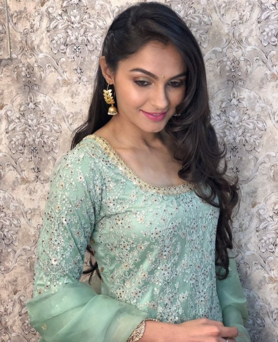 Andrea Jeremiah looks graceful in these latest photos