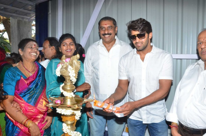 Photos: Tamil actor Arya inaugurates badminton academy!