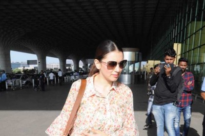 Photos: Hansika Motwani spotted at the airport in Mumbai