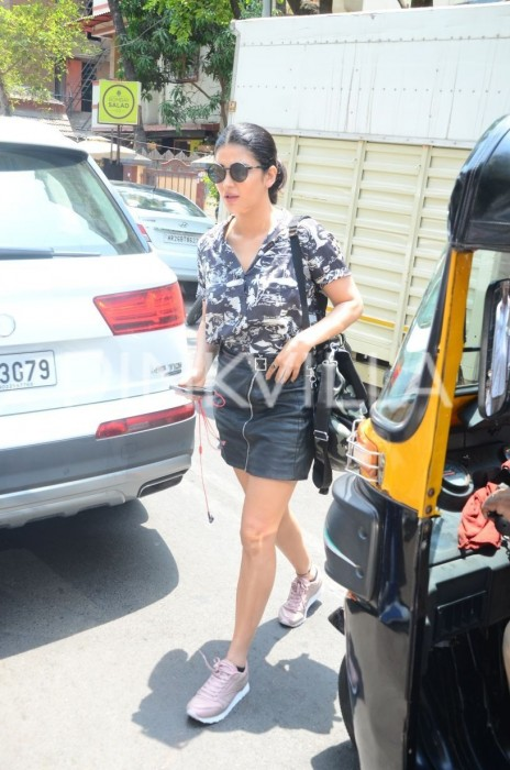 Photos: Shruti Hassan and her boyfriend Michael Corsale spotted in the city!