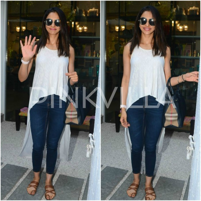 Photos: Rakul Preet spotted at an uptown salon in Mumbai after coming back in the city