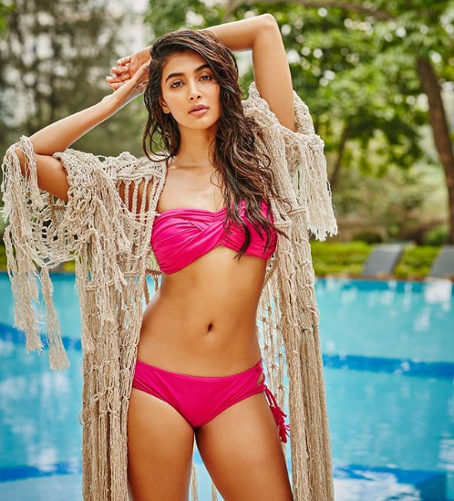 A stunning Pooja Hegde flaunts those curves in her latest photo
