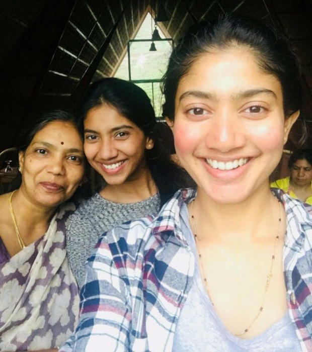 This photo of Sai Pallavi with her mom and sister is epic!