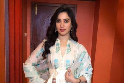 Tamannaah Bhaia confirms that she will be starring in Chiranjeevi's Sye Raa Narasimha Reddy