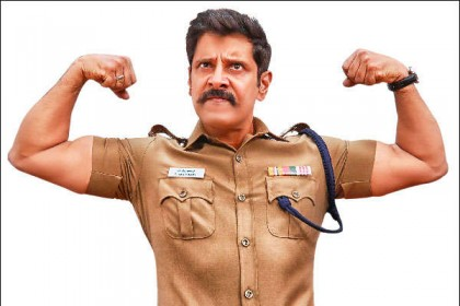 These stills from Saamy Square prove that Vikram has still got 'it'