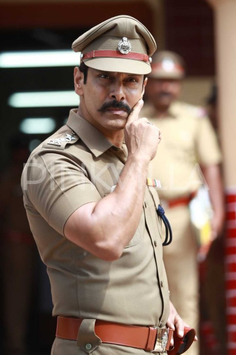 Photos: These working stills from Saamy Square give a glimpse of what's in store for Vikram fans