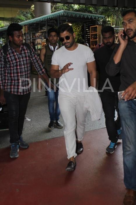 Photos: Allu Arjun spotted at Mumbai airport!