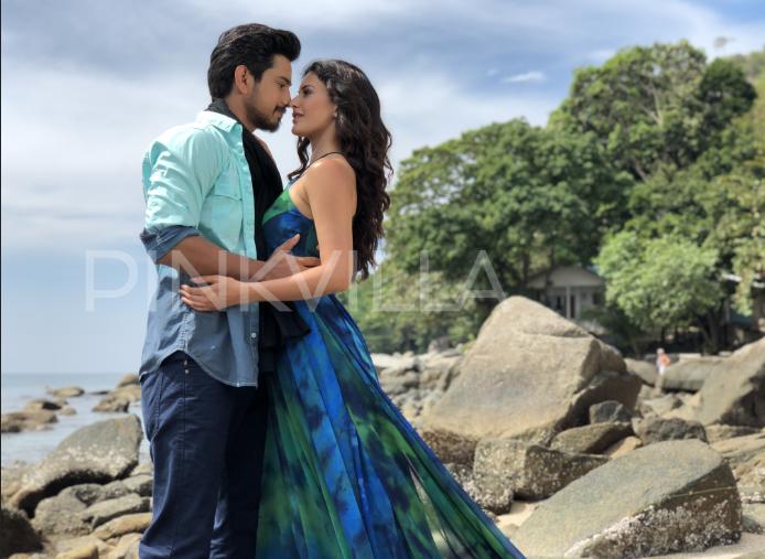 Raju Gadu stills: Amyra Dastur and Raj Tarun's sizzling chemistry is hard to miss