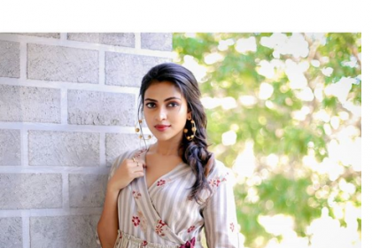 Amala Paul makes a pretty appearance in an easy breezy dress for Bhaskar Oru Rascal promotions!