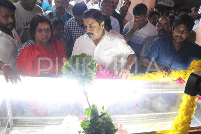 Photos: Tamil film fraternity bids adieu to eminent writer Balakumaran