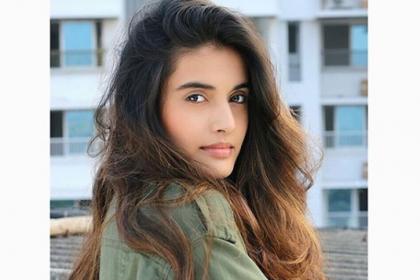 Divyansha Kaushik all set for her Kollywood debut, signs Siddharth-Karthik's next