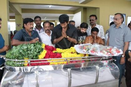 Photo: Kamal Haasan, Vishal pay their last respects to producer-director Muktha Srinivasan
