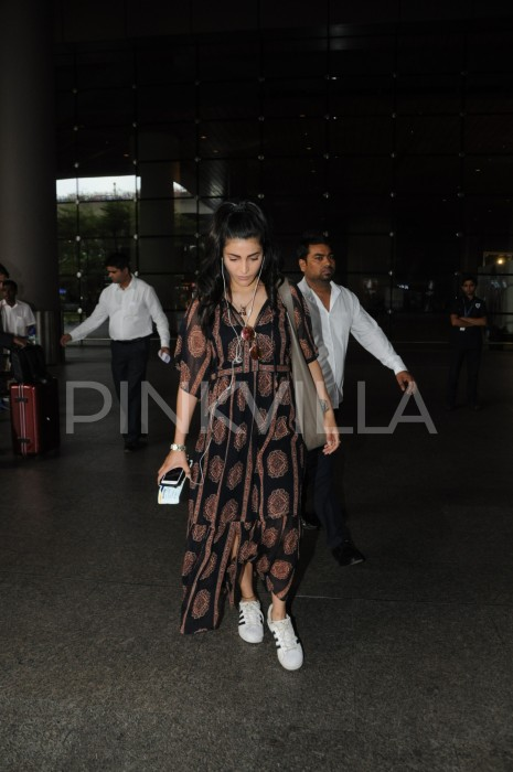 Airport diaries: Shruti Haasan spotted in a summer friendly outfit as she returns from London