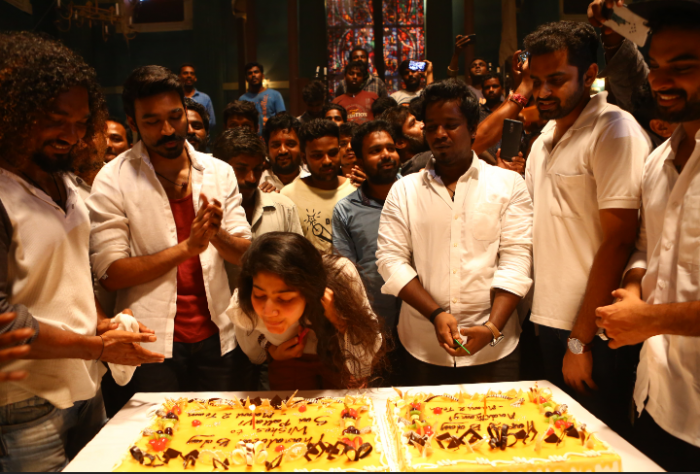 Photos: Sai Pallavi celebrates her birthday on the sets of Maari 2