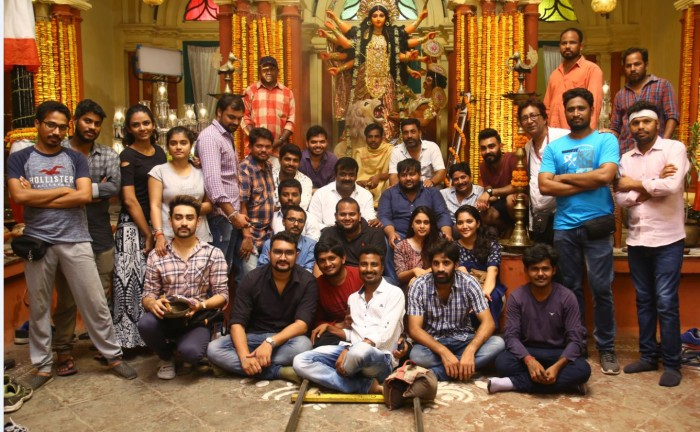 It's a Kolkata schedule wrap up for Adivi Sesh and Shivani Rajasekhar's 2 States Telugu remake