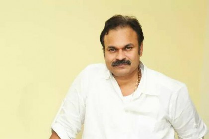 Actor Naga Babu signed on to play Jr NTR's father in Aravindha Sametha