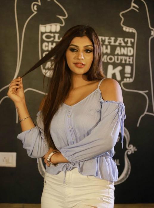 Bigg Boss Tamil 2: Iruttu Arayil Murattu Kuthu actress Yashika Aanand in the house?
