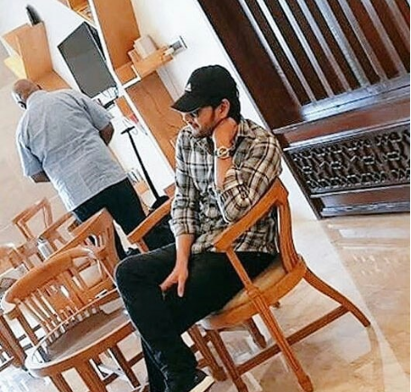 Photos: Mahesh Babu and Pooja Hegde spotted on the sets of their next with Vamshi Paidipally in Dehradun