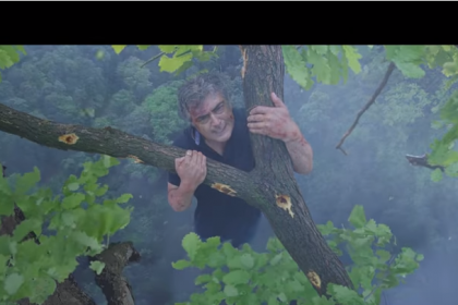 Thala Ajith sets a huge record with Vivegam