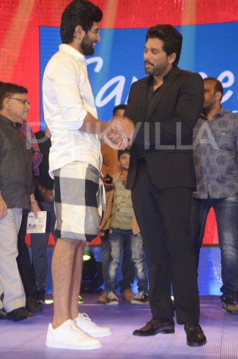 Photos: Allu Arjun makes dashing appearance at Vijay Deverakonda's Geetha Govindam audio launch