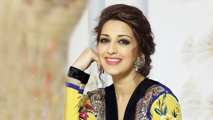 Manmadhudu, Indra and Murari actress Sonali Bendre diagnosed with a high-grade cancer