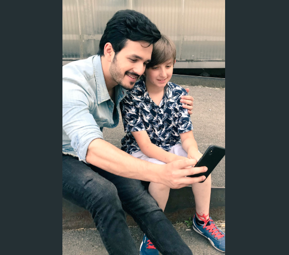 Photos: Poland singing sensation Bujji meets Akhil Akkineni and Nidhhi Agerwal on the sets of their next
