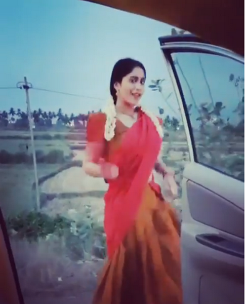 Regina Cassandra takes up Kiki challenge with an Indian twist