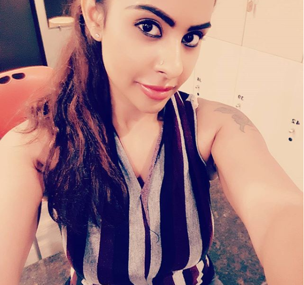 Watch: Sri Reddy breaks down, threatens to suicide