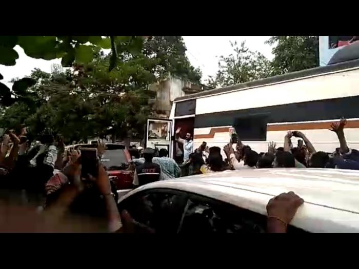 Photos: Actor Suriya mobbed on the sets of NGK, shoot stalled