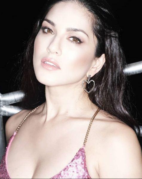 Sunny Leone to make Malayalam debut with Oru Adaar Love fame director Omar Lulu's next?