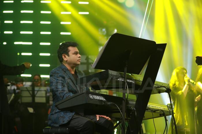 Photos: AR Rahman, Aditi Rao Hydari, Mani Ratnam at grand Chekka Chivantha Vaanam audio launch