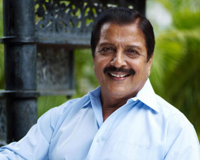 This video of Sivakumar smacking phone away from a fan's hand is going viral and twitter explodes with memes