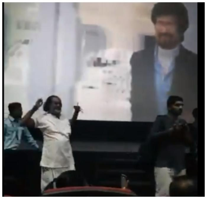Watch: 2.0 fever grips India, Rajinikanth's film paused for 3 minutes to celebrate Thalaiva's first entry