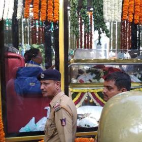 RIP Rebel Star: CM H D Kumaraswamy and thousands of fans bid a tearful farewell to Ambareesh
